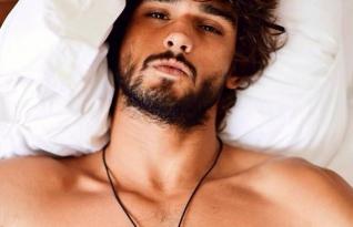 Homens atraentes são mais egoístas, diz estudo