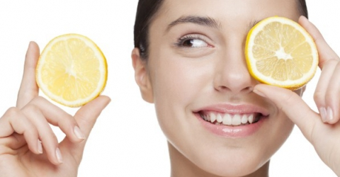 Aqui estão alguns benefícios do limão para a pele que você não talvez não conheça