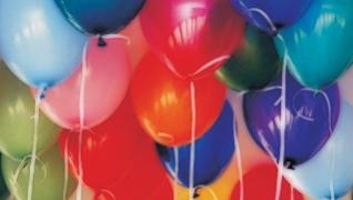 Como encher balões em casa sem gás hélio